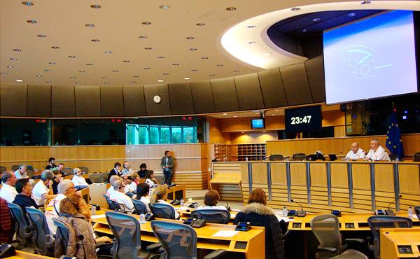 Los afectados de la Talidomida españoles (22 de ellos) fueron invitados a Bruselas para explicar allí su problema.