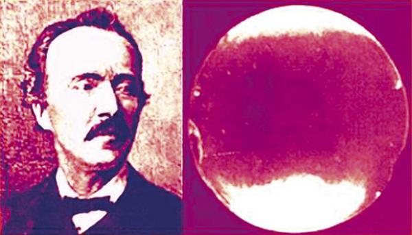 Heinrich Schliemann y uno de las lentes halladas en Troya.