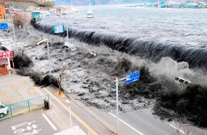 El tsunami de 2011 en Japón evidenció la debilidad de algunos modelos de gestión del riesgo. Foto: www.majiroxnews.com.