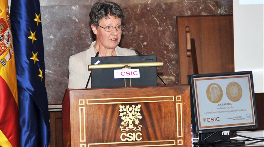 Jocelyn Bell recibió en el 2015 la Medalla de Oro del Consejo Superior de Investigaciones Científicas. (Foto CSIC Comunicación)